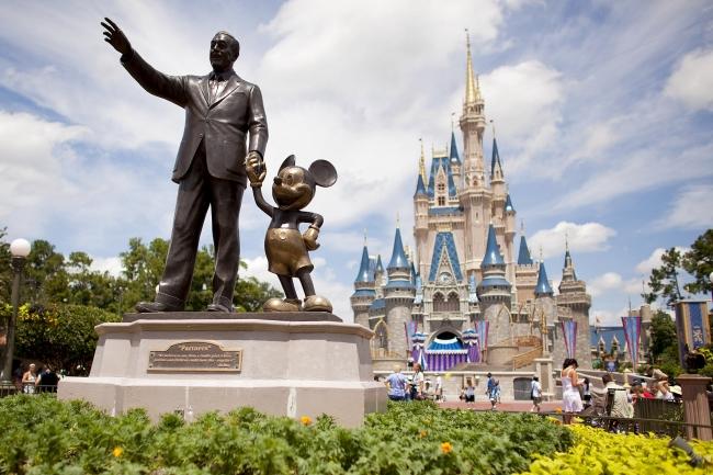 Disney con comidas gratis / del 3 de abril al 24 de junio